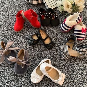 Baby/Toddler Girl - Sz. 5/6 - Lot of Shoes